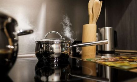 What kind of cookware is best for smooth top ranges?